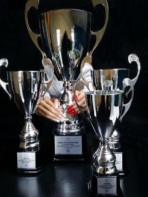 Pokalerna från Polen, där Micaela Wallgren tog ett silver och två brons. Dessutom blev hon Winner of Championship, eftersom hon fick den högsta totalpoängen.
