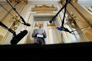 På torsdag tillkännager Peter Englund vem som fått Nobelpriset i litteratur.