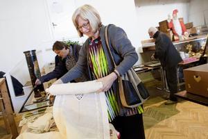 – Jag går på min magkänsla och köper det som är fint, sa Birgitta Grundström från Hofors.