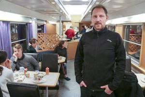 Peter Ekholm, Visit Vemdalen, åkte med det första nattåget från Malmö till Röjan för säsongen. Han klev på i Stockholm och klev upp tidigt för frukost i restaurangvagnen.