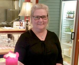 – Är man vänlig mot andra får man vänlighet tillbaka, konstaterar Lena Hillbom.