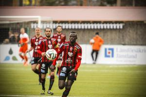 Sporten har sedan tidigare skrivit om intresset för Modou Barrow, som gjort sex mål på tio starter för ÖFK i år.