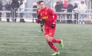 Daniel Johansson var märkbart missnöjd efter Syrianskas derbyförlust mot Skiljebo.