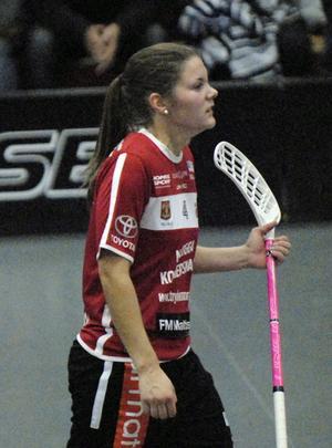 Therése Karlsson har fått igång målskyttet och svarade för hela fyra fullträffar mot Huddinge.