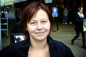 Sandra Larsson, 36 år, personlig assistent, Borlänge– Nej inte alls. Jag arbetar som personlig assistent så vi använder inte mobilen i jobbet. Jag är inte så teknikintresserad heller.