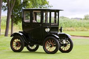 Bensindrivna bilar konkurrerade ut elbilar av den här tidiga modellen.