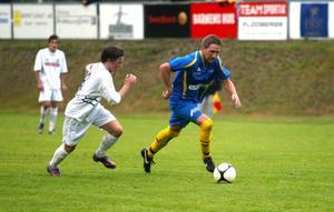 Wallvik/Laik 2 tog ledningen med 2–0 i toppmötet med Söderhamns FF T och efter viss möda höll kustlaget undan till tre poäng.