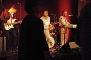 Les Anges du Ciel fick publiken i skönt gung. Foto: Lennart Cromnow