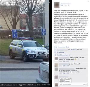 Poliserna parkerade i en handikappruta utanför en hälsocentral.