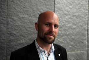 Mattias Bjärnemalm, Uppsala, står på tredje plats på Piratpartiets lista: - Man ska rösta på Piratpartiet för att det sänder en glasklar signal om att det är den personliga integriteten och friheten på internet som är de viktigaste frågorna i det här valet.