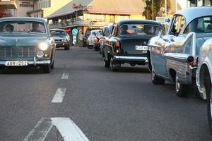 Ibland bildades det en lång bilkö, när fordonen var på väg upp till Södra torget i Edsbyn för att vända.