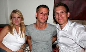 Å. Karolina, Mika och Per