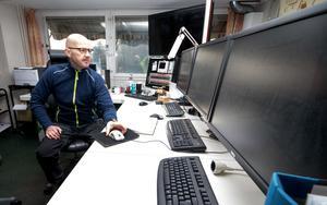 Pertti Palonto är en av sex driftmaskinister på Craboverket. Här arbetar också en elektriker och en produktionsledare.