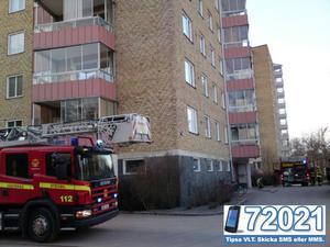 Brandkåren ryckte ut till Säbygatan på Skiljebo på onsdagskvällen. FOTO: LÄSARBILD