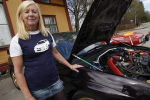 Även bilintresserade hade en given plats på kulturdagen. Catrine Johansson visade upp sin Subaru.