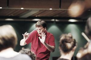 Patrik Ringborg har Rhenguldet helt i sitt blod. Bara i år har han dirigerat 15 föreställningar av Wagners opera. Han kan varje takt och varje replik utantill.