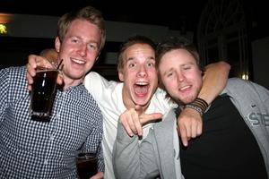 Blue Moon Bar. Robin Lindberg, Marcus Westling och Robert Skoglung