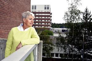 Vårdområdesdirektör Karin Rapp är en av flera toppchefer i landstinget som nu lämnar landstinget. För 61-åriga Rapps del handlar det om att hon går i pension.