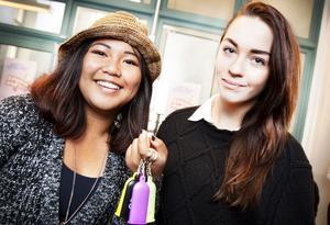 Ada Raposas och Paula Cyrillus Ottenvang tror att mer prat om säkert sex och könssjukdomar i skolan får fler unga att använda kondom.