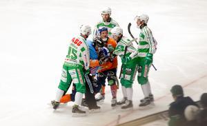 Det var hett mellan VSK och Bollnäs i elitseriepremiären.