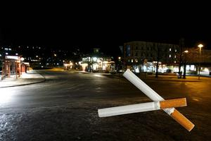 När 17-åringen inte kunde ge 18-åringen cigaretter ska han ha blivit misshandlad. Bilden är ett montage.