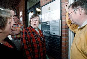 Jan Lindholm, Gunilla Barkar och Ragnhild Pohanka 1998, samma år som Jan Lindholm för första gången hoppade in som ersättare i riksdagen. 2018 lämnar han sin plats på dalabänken.