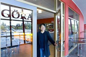 Ansvarig för all mat. Stjärnkocken ChanPeng S Ericsson hälsar välkommen till Göransson arena. Hon är ny ansvarig för all mat och dryck som serveras i arenan, inte bara på restaurangen, utan även i kaféet och i kioskerna.