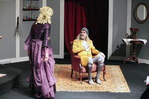 Hypokondrisk och inbilsk, Anders Hedéns Argon är en av Molières mer minnesvärda karaktärer, här tillsammans med Katarina Lundqvists Beraldine.
