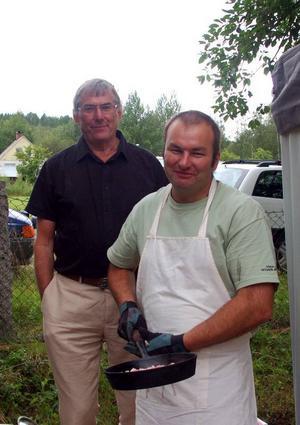 Roland Salomonsson och John Johansson har arrangerat stämman tillsammans med Herrö byalag.