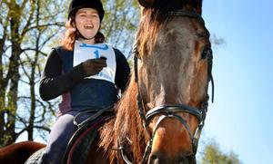 Segrarna. Knallpojken och Jennifer Olsson vann första deltävlingen i cupen.