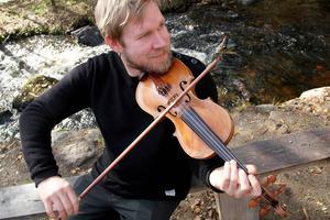 Riksspelman Thomas von Wachenfeldt är en av projektledarna för notboken.