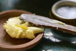 Filip Fasténs bästa partytrick är att bjuda på hemkärnat smör. Kul att testa själv.