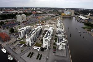 Bostäder. Finns det en bostadsbubbla till följd av handeln med bostadsrätter, här representerade av husen i Östra hamnen i Västerås?            Foto: Jonas Bilberg/arkiv