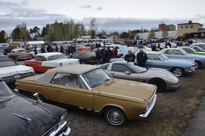 Många fordon. Närmare 600 fordon fanns på plats berättar initiativtagaren och mackägaren Peter Fryxell.