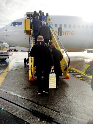Foto: Lennart Mattsson Flygbolaget lyckades snabbt ordna fram ett ersättningsflyg och vid 1130-tiden kunde passagerarna flyga vidare mot Las Palmas.