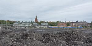 Nedanför centralstationen förbereds marken för etapp 2 av Storsjö Strand.