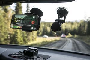 Roadroid är en app som mäter hastighet, plats och vibrationer i vägnätet. Den kan installeras i de flesta moderna telefonerna som använder appar.