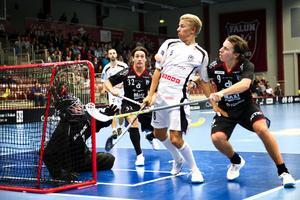 Daniel Dalbjer (nummer 32) har ett förflutet som spelare i IBF Falun.