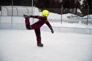 Felicia Mirjestam är nöjd med isen vid Modohallen.