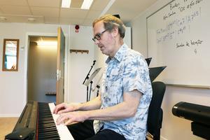 Lasse Hedström har jobbat på Estetprogrammets musikinriktning sedan den startade 1993 och har sett många talanger födas.