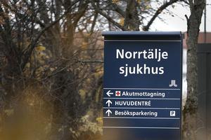 I Norrtälje har vi  inte de tydliga huvudmannagränser mellan region och kommun som finns på de flesta andra håll i Sverige. Det innebär att vi här kan pröva nya innovativa lösningar. Som exempel kan nämnas projektet med sjukhusanslutna mobila sjukvårdsteam (SAMS), skriver Olle Reichenberg och Lotta Lindblad Söderman.