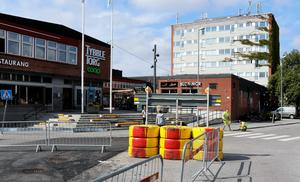 Trafikupprorets Hannah Ljung debatterar med Vänsterpartiets Linn Josefsson om BRT-projektet i Örebro.