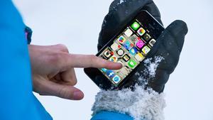 Vintern är här, vilket inte telefonerna uppskattar.  Foto: Claudio Bresciani/TT