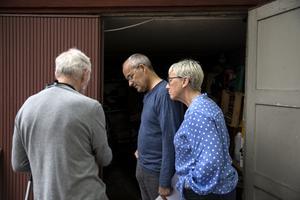 Två nyfikna besökare är Christina och Lars-Gunnar Edin.