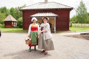 Margareta Nybelius och Johanna Nybelius har kommit för att titta.
