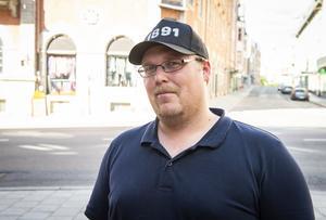 Andreas Lundvall, 33 år från Härnösand. Arbetslös.