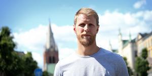 Carl Gunnarsson vill ta Stanley Cup-bucklan till Stortorget.