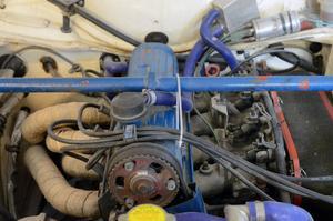Original gav tvåliters Pintonmotorn 98 hästkrafter, här har man skrämt ur den över 200 hästkrafter, när den sitter i Bengts rallybil.