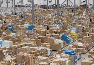 Att avglobalisera vore dumt eftersom mer handel gynnar fattiga hushåll mest.