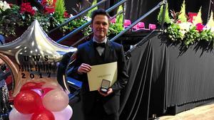 Läsarbild.Simon med diplom och medalj. Tagen från på plats i Paisley, Glasgow, Skottland.